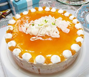 黄桃のケーキ
