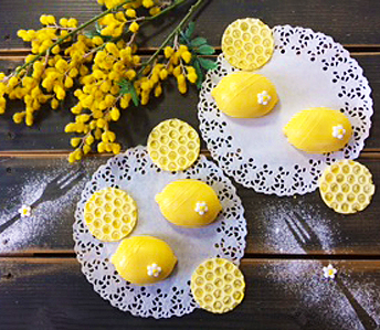 レモンケーキと蜂の巣チョコ