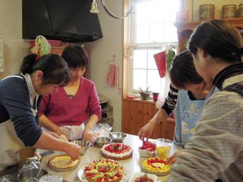 お料理教室・お菓子教室のキッチンマムの授業風景
